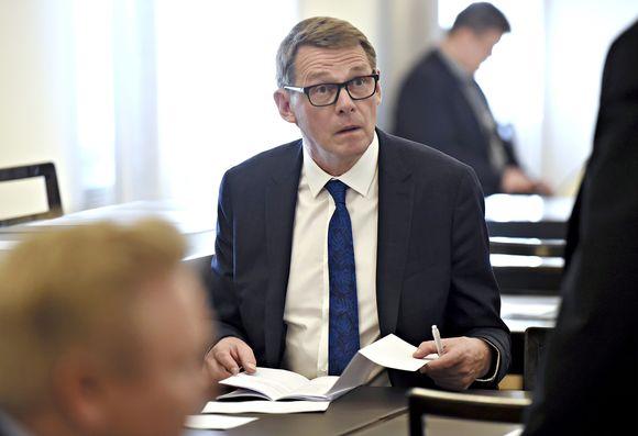 Matti Vanhanen keskustan eduskuntaryhmän kokouksessa Helsingissä 7. kesäkuuta 2019.