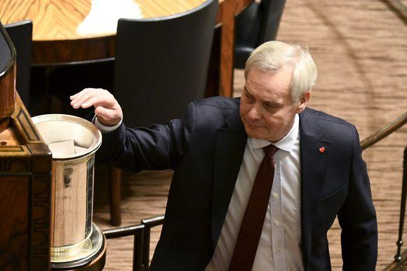 SDP:n kansanedustaja Antti Rinne eduskunnan täysistunnossa Helsingissä 11. joulukuuta 2019.