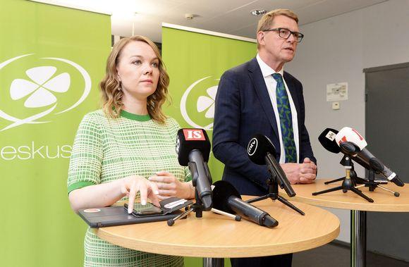 Puheenjohtaja Katri Kulmuni ja Keskustan esitys uudeksi valtiovarainministeriksi Matti Vanhanen.