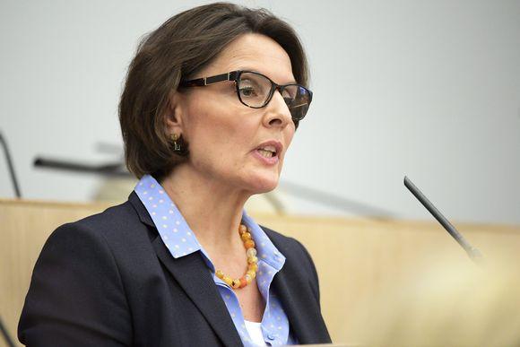 Anne Berner eduskunnassa 22. helmikuuta 2017