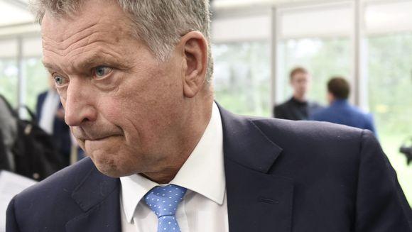 Presidentti Sauli Niinistö Kultaranta-keskustelutilaisuudessa presidentin kesäasunnolla Naantalin Kultarannassa.