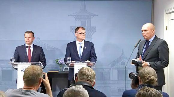 Petteri Orpo ja Juha Sipilä ovat tulleet kertomaan Kesärantaan hallituksen kaatumisesta 12. kesäkuuta 2017.