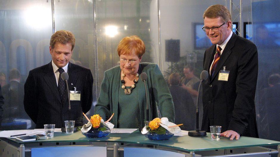 Presidenttiehdokkaat Sauli Niinistö, Tarja Halonen ja Matti Vanhanen. Presidentinvaalit 2006.