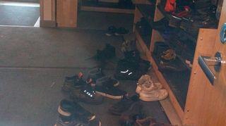 kenkiä eteisessä