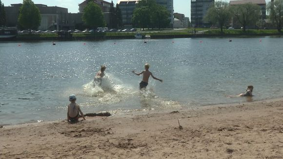 Porin Kirjurinluodon uimaranta hellepäivänä