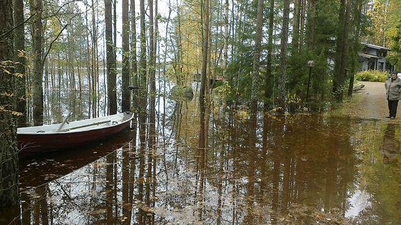 Tulvaa Poosjärven rannalla.