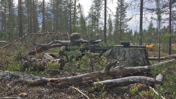 Sinisten tarkka-ampuja Rovajärven harjoituksessa 28.5.2018