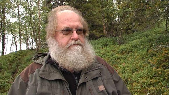 Metsäntutkimuslaitoksen professori Heikki Henttonen on maan johtavia sopuliasiantuntijoita.