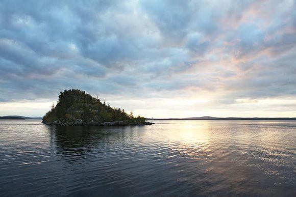 Ukonkivi Inarijärvi