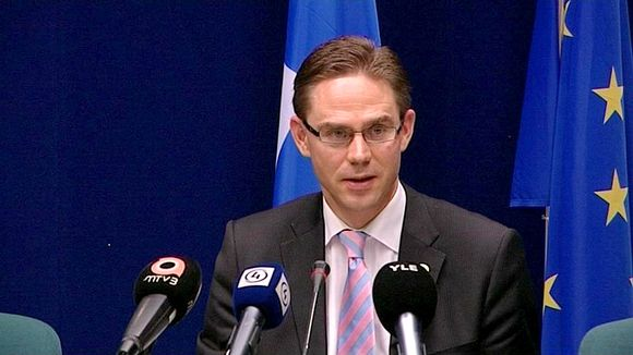Jyrki Katainen EU:n huippukokouksen jälkeen Brysselissä 24. kesäkuuta.