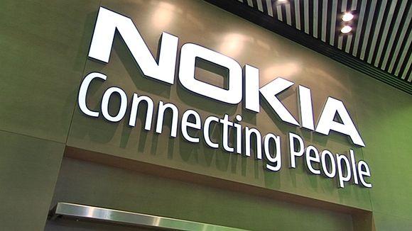 Nokian logo seinällä.