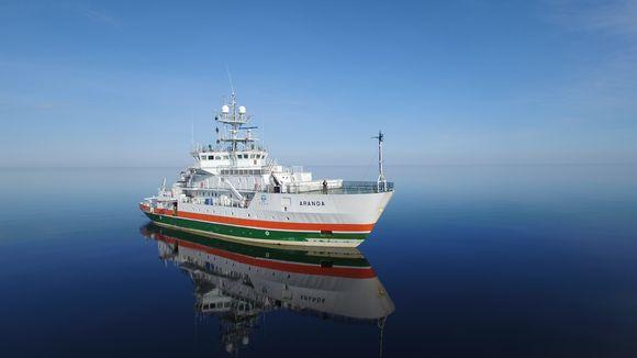 Tutkimusalaus Aranda tyynellä merellä.