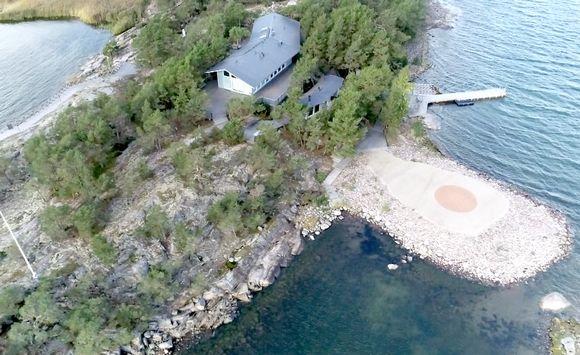 Säkkiluodon saari ilmakuvattuna.