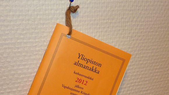 Yliopiston almanakka vuodeksi 2012.