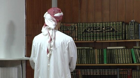 Muslimi moskeijassa.