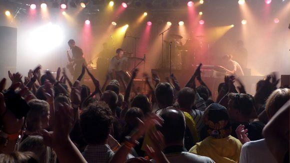 Tommy Lindgrenin luotsaama Don Johnson Big Band villitsi DBTL -yleisöä torstaina.