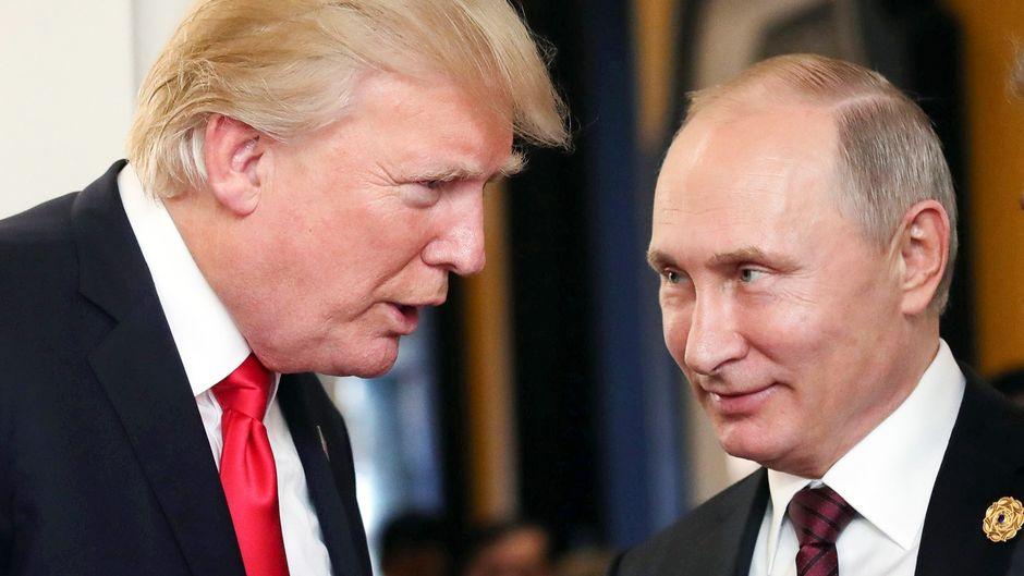 Donald J. Trump ja Vladimir Putin.