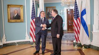 Timo Soini ja Mike Pompeo tapaavat Washingtonissa.