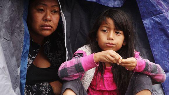 Yli 6000 siirtolaista on pakkautunut tilaan, joka on mitoitettu noin 3500 ihmiselle.