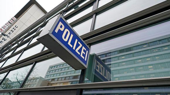 Poliisiaseman kyltti Frankfurtissa.