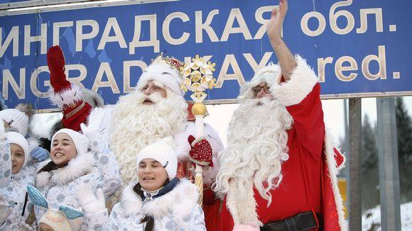 Venäläinen Pakkasukko ja suomalainen Joulupukki tapasivat Nuijamaan raja-asemalla Lappeenrannassa.