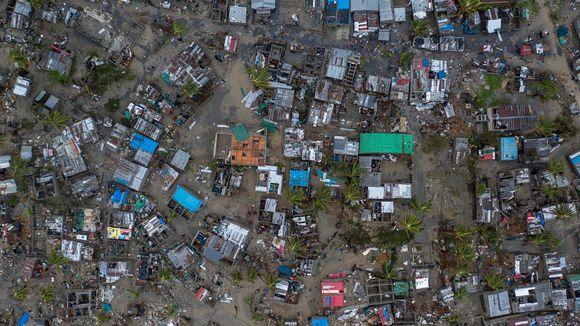 Avustusjärjestö Caren välittämä ilmakuva näyttää, mikä oli tilanne Praia Novan kylässä Mosambikin keskiosissa sunnuntaina.