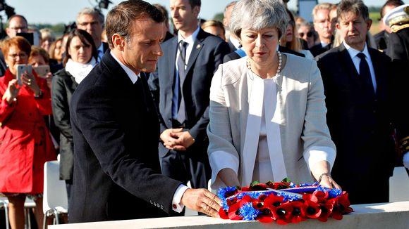 Emmanuel Macron ja Theresa May Ranskan Normandiassa torstaina 6. kesäkuuta.