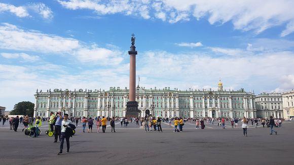 Pietarin nähtävyydet houkuttelevat miljoonia turisteja joka vuosi.