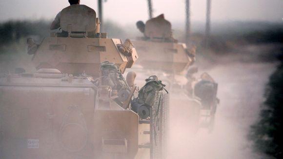 Turkin sotilaita tankeissaan Pohjois-Syyriassa