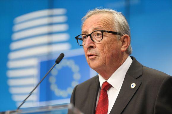 EU-komission puheenjohtaja Jean-Claude Juncker kuvattuna lehdistötilaisuudessa EU:n huippukokouksessa.