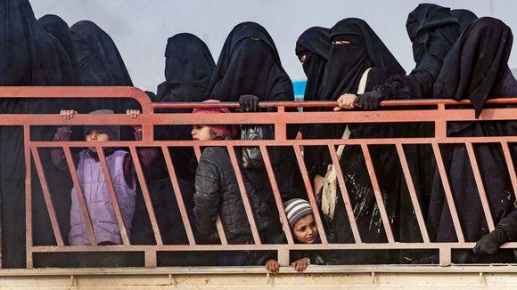 al-holin naisia ja lapsia
