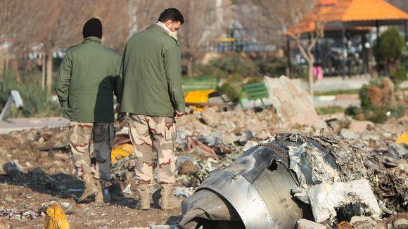 Turmakoneen jäänteitä tutkittiin Teheranin lentokentän lähistöllä..