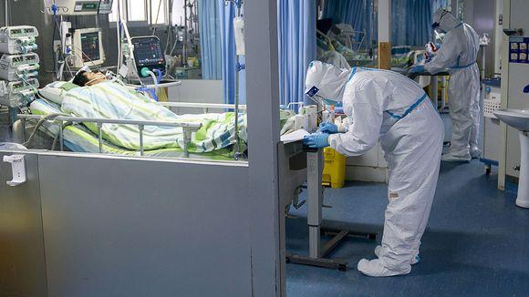 Koronaviruspotilaita hoidetaan sairaalassa Wuhanissa.