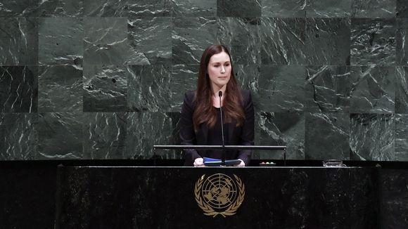 Sanna Marin puhuu naistenpäivän tapahtumassa YK:ssa perjantaina.