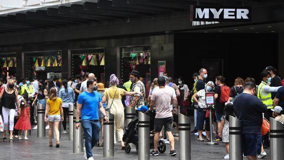Melbournen kaupunki Australiassa lievensi koronarajoituksia 22. marraskuuta 2020. Ihmisten annettiin muun muassa kulkea taas ulkona ilman maskia.