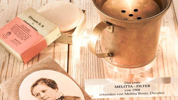 Melitta Bentzin ensimmäinen kaupallinen kahvinsuodatin rekisteröitiin 1908.