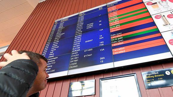 Matkustaja lentokentällä.