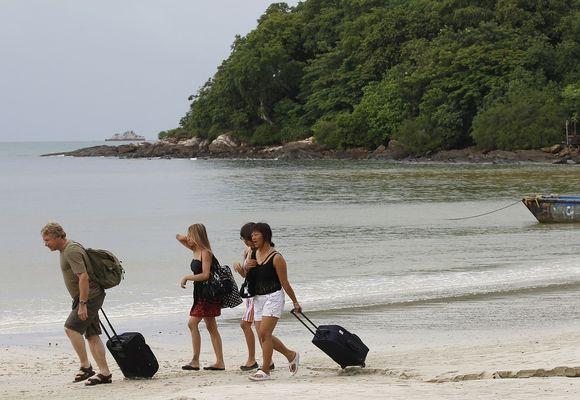 Moni turisti saa tietämättään elimistöönsä bakteerin, joka monesti häviää itsestään pois.