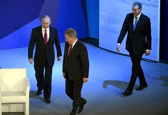 Vladimir Putin ja Sauli Niinistö Venäjän Arkangelissa torstaina 30. maaliskuuta.