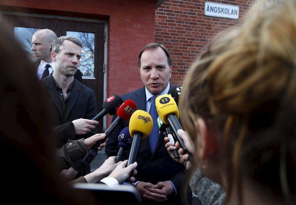 Ruotsin pääministeri Stefan Löfven puhui medialle 7. huhtikuuta