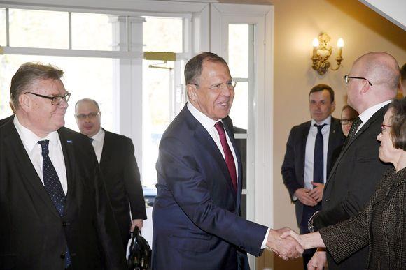 Timo Soini ja Sergei Lavrov tapasivat Porvoossa torstaina.