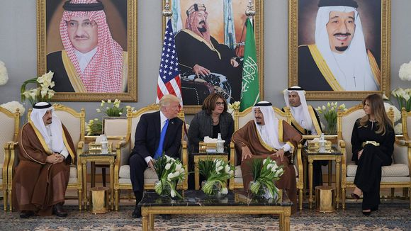 Trump Saudi-Arabiassa.