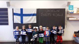 Baselin suomikoulun oppilaita.