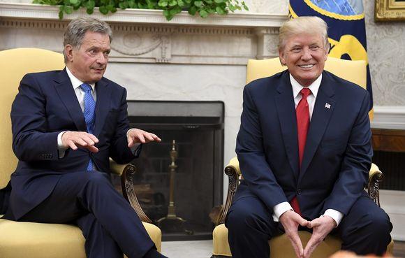 Sauli Niinistö ja Donald Trump tapasivat Valkoisessa talossa maanantaina.