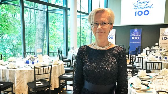 Suomen Yhdysvaltain-suurlähettiläs Kirsti Kauppi.
