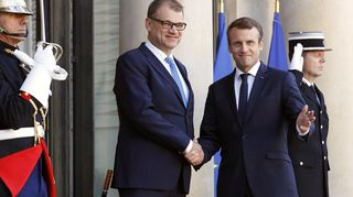 Juha Sipilä ja Emmanuel Macron tapasivat Élysée-palatsilla perjantaina.