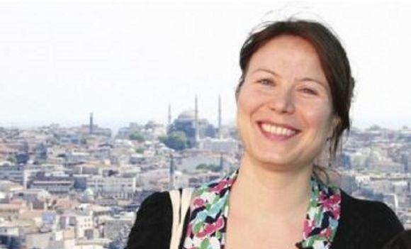 Suomen kansalainen Ayla Albayrak on Wall Street Journalin toimittaja
