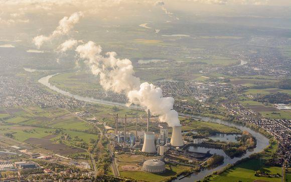 Uniperin hiilivoimala Großkrotzenburgissa, Saksassa.