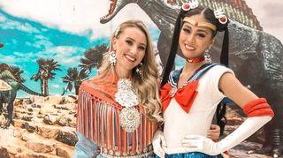 Susanne Næss Guttorm edustaa Norjaa saamenpukuun pukeutuneena Miss Universum kilpailussa 2018.