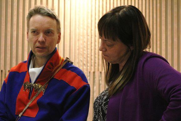 Jan Saijets ja Anne Nuorgam Saamelaiskäräjien täysistunnossa